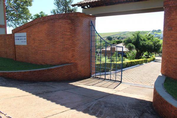 Portão-Principal.jpg